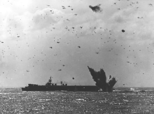Kamikaze_crashes_near_USS_Bataan_(CVL-29)_in_April_1945