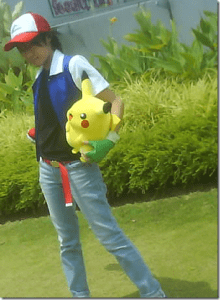 Other than the plush Pikachu, this is a good Ashe. Pity someone can't make a lifelike pikachu somehow.