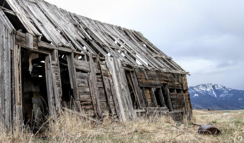 Forgotten farm house gives an example of wabi-sabi